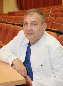 Заведующий отделением д.м.н., профессор Сергей Янович Максимов